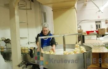 Prerađeno voće i povrće iz Varvarina i okoline može se kupiti u najvećim trgovinskim lancima u Srbiji FOTO: S.Babović