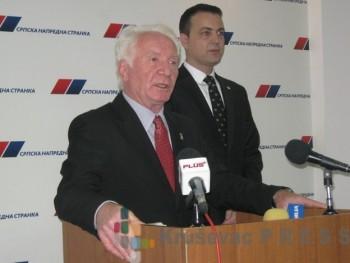 Miloje Mihajlović negira da je razgovarao sa predsednikom Izvršnog odbora SNS Radomirom Nikolićem FOTO: S.Milenković