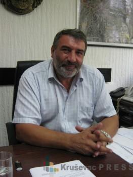 Zoran Milenković, predsednik Opštine Varvarin, veruje da je budućnost komune u poljoprivrednoj proizvodnji FOTO: S.Milenković