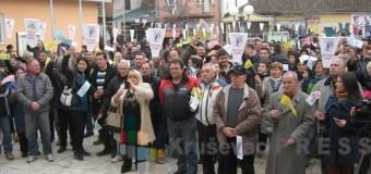 Ćićevčani protestovali jer im ne puštaju vodu sa jezera Ćelije!