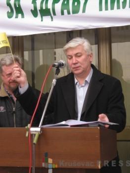 Zlatan Krkić, predsednik Opštine Ćićevac na protestnom skupu FOTO: S. Milenković