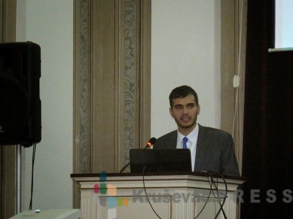 Svetosavska nagrada Zoranu Tomiću
