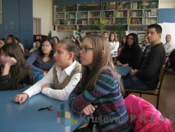Probleme sa društvenih mreža đaci pokušavaju da razreše u školi FOTO: S.Milenković