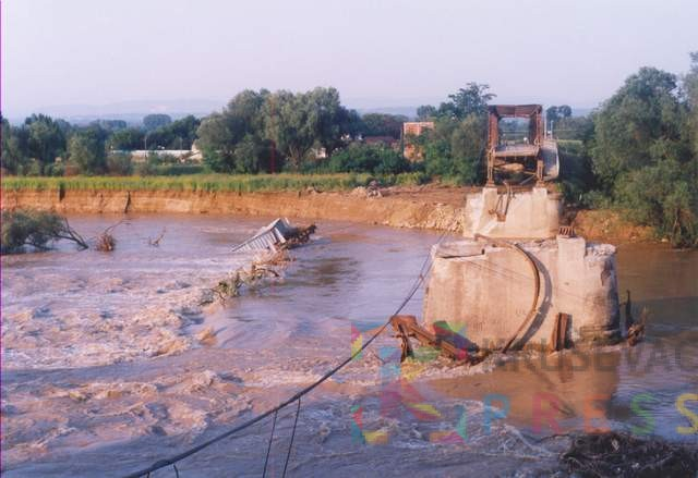 Varvarin01 most u varvarinu nakon bombardovanja