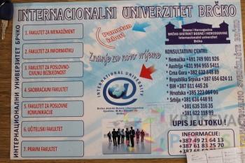 Plakati na kući predraga Trajkovića FOTO: N. Lazić