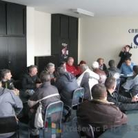 "Bivši radnici ""14. oktobra"" na sastanku u sindikatu FOTO: S. Milenković"