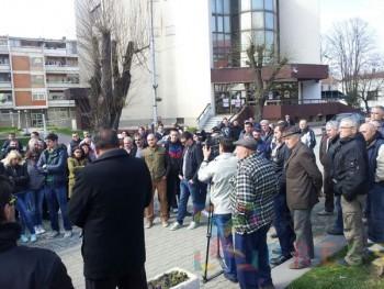 Protestni skup u centru Varvarina