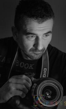 Dejan Nikolić je pobedio u takmičenju sajta Pixoto.com za najbolju fotografiju venčanja 2013. i 2015. godine