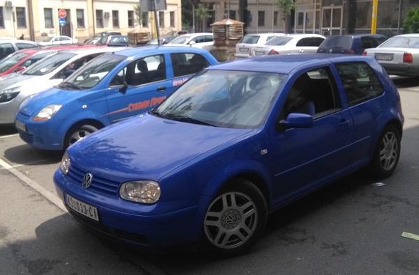 Bahati vozači zauzimaju invalidima mesta za parkiranje