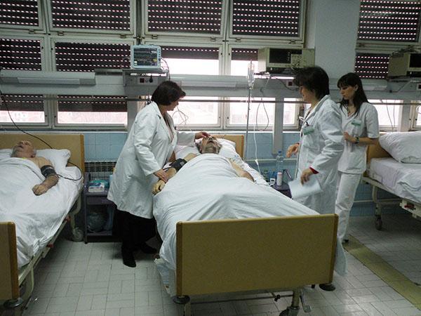 BEZOBRAZNO I BAHATO: Opšta bolnica tri meseca odbija da odgovori na pitanja o kadrovima!