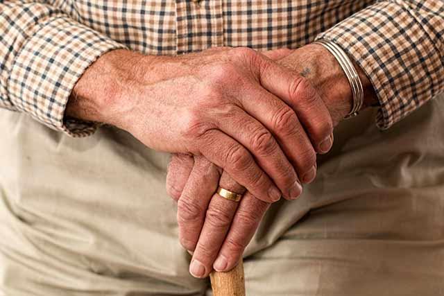 stari-briga-zanemarivanje-zlostavljanje