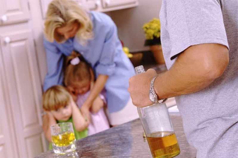 t6-alkohol-pokrece-na-zlo