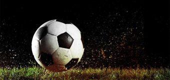 Sneg zaustavio fudbalsku loptu