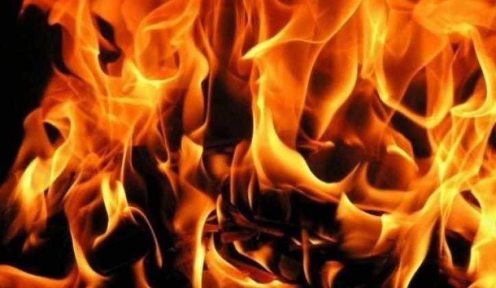 POŽAR U JASICI: Izgoreo splav!