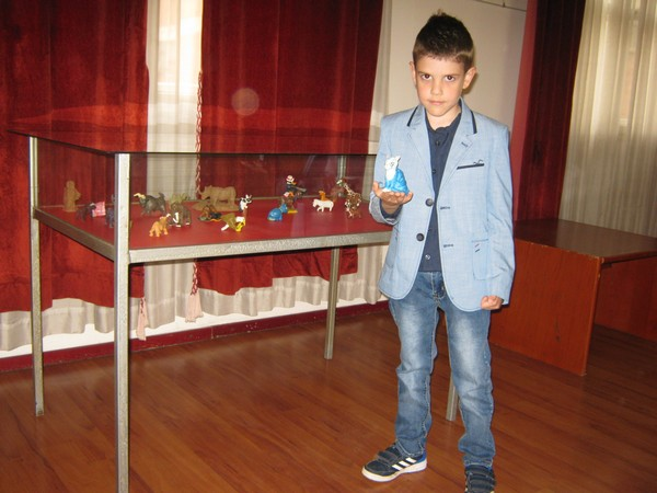 Umetničko čudo od deteta iz Čitluka: Priredio samostalnu izložbu sa šest godina!