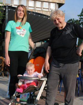 Tri generacije - dr Radmila Maksimović sa ćerkom Jelenom i unukom FOTO: CINK