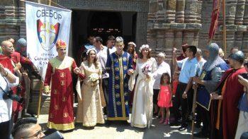 Srećni parovi nakon venčanja u Lazarici FOTO: CINK - S.Milenković