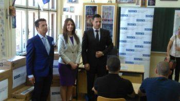 Misija OEBS u Beogradu je poklonila računarsku opremu vrednu 6.500 evra FOTO: CINK - S.Milenković