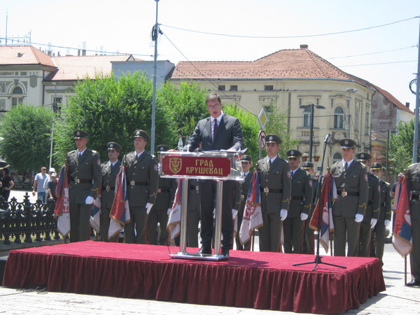 NOVOGODIŠNJE ISTRAŽIVANJE: Aleksandar Vučić ubedljivo najpopularniji političar