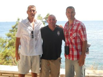 Braća Dramićanin i Alan Kamins na ostrvu Vido