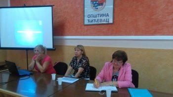 Nataša Simović, Ružica Jelisavac i Sretina Dobrodolac, menadžerka projekta, na predavanju u Ćićevcu FOTO: CINK - S.Milenković