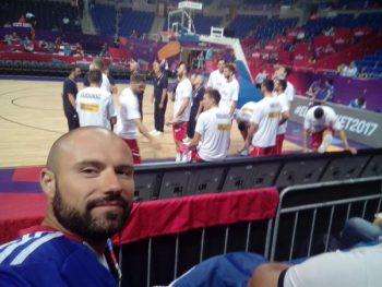 Miloš pored klupe reprezentacije Srbije