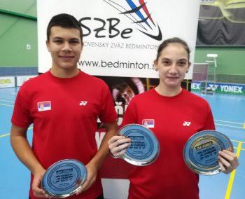 Sergej Lukić i Marija Sudimac sa trofejima iz Trenčina