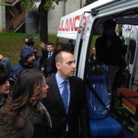Ministarka pravde Nela Kuburović i ministar zdravstva Zlatibor Lončar razgledaju sanitetska vozila FOTO: CINK - S.Milenković