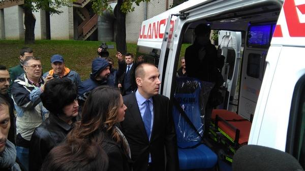 Ministar Lončar u poseti Opštoj bolnici