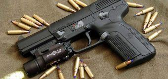 Pronađen arsenal oružja u stanu!