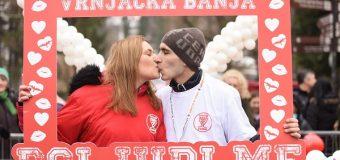 Najduži poljubac trajao 42 minuta