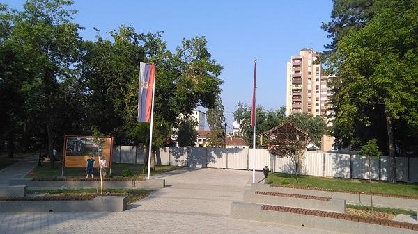 """Srušena zgrada """"Abraševića"""" u Pionirskom parku"""