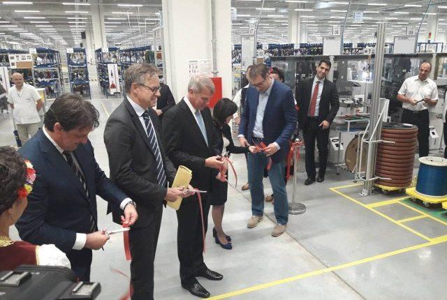 "Predsednik Vučić otvorio pogon fabrike ""Kromberg i Šubert"""