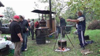 Tradicija pečenja domaće rakije je vrlo jaka