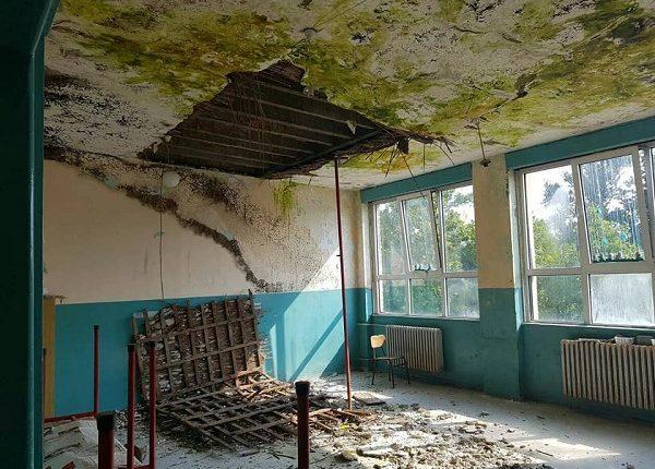 Zgrada parunovačke škole u očajnom stanju!