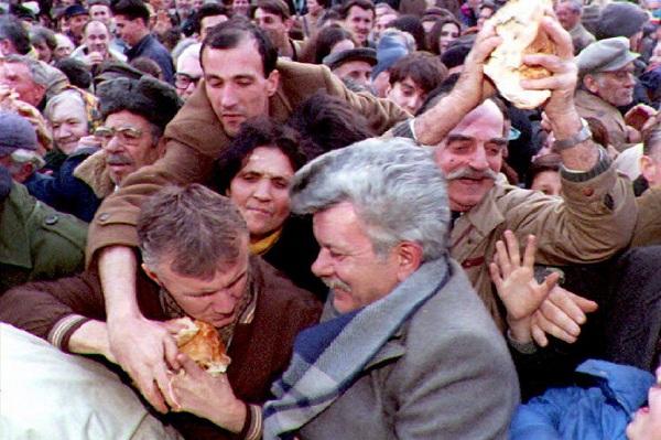 PODSETNIK: Ko je stvarno opljačkao Srbiju!