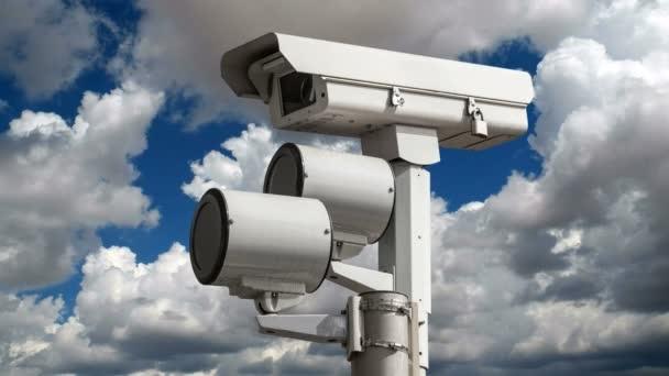 NEKO NAS POSMATRA: Postavljene kamere na pet raskrsnica