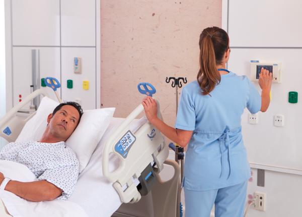"PREDSEDNIK OBEĆAO: ""Biće plata 500 evra, medicinskim sestrama sledi povećanje"""
