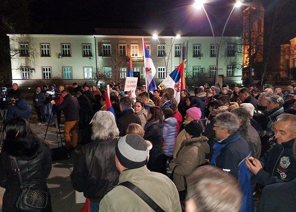 """""""1 OD 5 MILIONA"""" U TRSTENIKU: """"Građani Srbije ne žele da žive u državi u kojoj je ministar vojske dezerter!"""""""