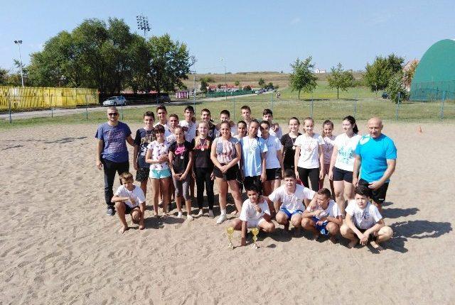 """""""SPORTSKO LETO 2019"""": Turnir u rukometu na pesku"""