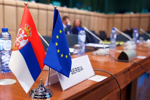 EVROPSKA UNIJA U MOJOJ ULICI: Dugo putovanje Srbije
