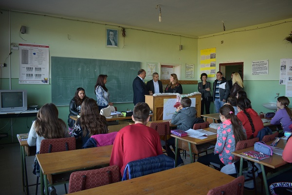 POSETA MINISTRA: Mladen Šarčević posetio škole u Stalaću i Varvarinu
