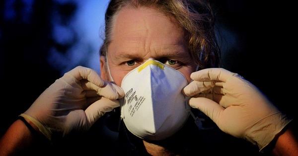 PREVENTIVNE MERE: Obavezno nošenje maske i na otvorenom!