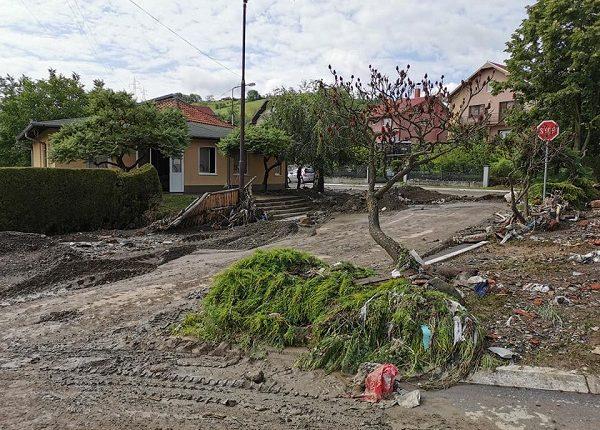 POSLEDICE NEVREMENA U TRSTENIKU: Proglašeno vanredno stanje u šest naselja!