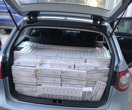 AKCIJA POLICIJE U ALEKSANDROVCU: Zaplenjeno 9.750 paklica cigareta