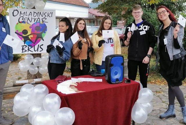 OMLADINSKI CENTAR BRUS: Mladi nezadovoljni svojim položajem, traže bolje mesto za život