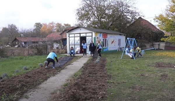 AKCIJA U SELU VARVARIN: Napravljen novi prostor za meštane i decu